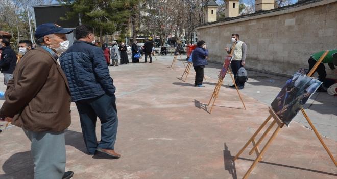İHH'dan Doğu Türkistan'daki politikaları nedeniyle Çin mallarına