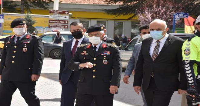 Jandarma Genel Komutanı Orgeneral Arif Çetin, Kızılcahamam'da ziyaretlerde bulundu