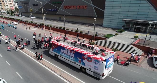 Kayseri'de 23 Nisan konvoyu renkli görüntüler oluşturdu