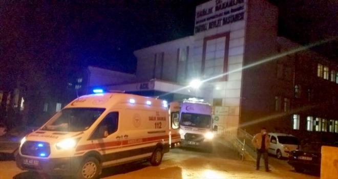 Kayseri'de bıçaklı kavgada 2 kişi yaralandı