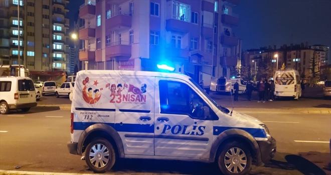 Kayseri'de Kovid-19 karantinasındaki bir kişi evinde hayatını kaybetti