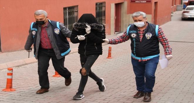 Kayseri'de tarihi caminin musluklarını çaldığı iddia edilen 4 zanlı yakalandı