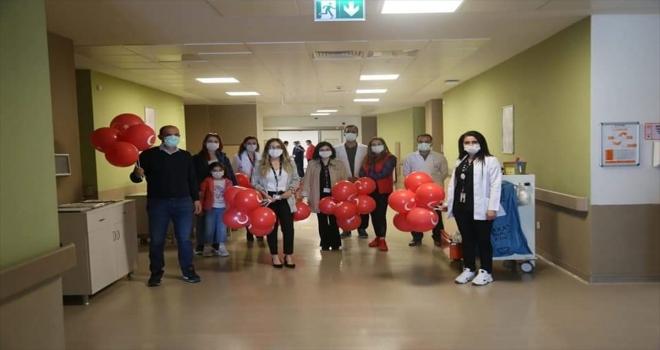 Kayseri Şehir Hastanesi'nde tedavi gören çocuklara 23 Nisan kutlaması