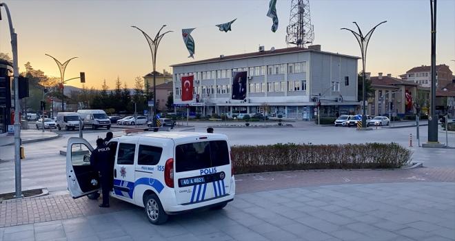 Kırşehir'de kısıtlamasının başlamasıyla sokaklar boş kaldı