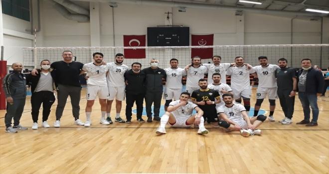 Konya Büyükşehir Belediyespor Erkek Voleybol Takımı sezonu galibiyetle kapattı