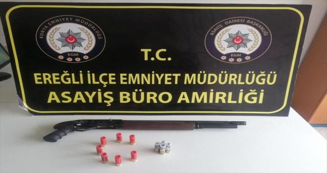 Konya'da Kovid-19 tedbirlerini ihlal edip evde kumar oynayan 11 kişiye para cezası