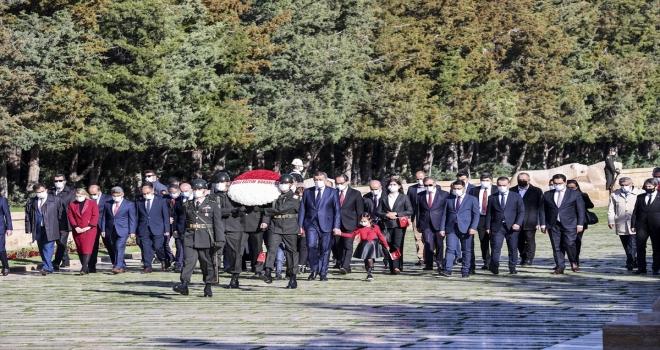 Milli Eğitim Bakanı Selçuk, 23 Nisan Ulusal Egemenlik ve Çocuk Bayramı dolayısıyla Anıtkabir'i ziyaret etti