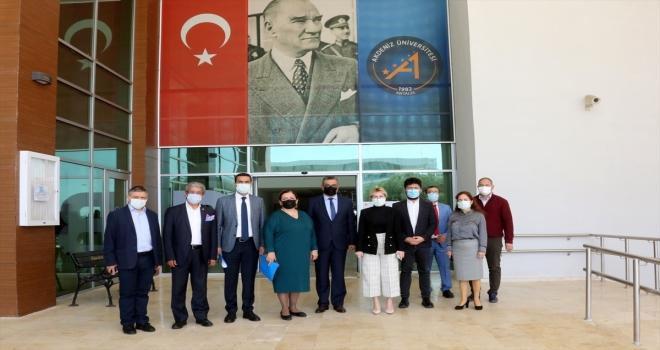 Rektör Özkan'dan İletişim Fakültesine ziyaret