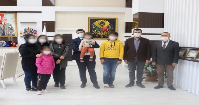 Sivas'ta eşine ve çocuklarına şiddet uyguladığı öne sürülen şüpheli yakalandı