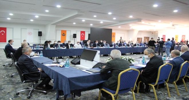 Ulaştırma ve Altyapı Bakanı Karaismailoğlu, Karayolları 71. Bölge Müdürleri Toplantısı'nda konuştu: (1)