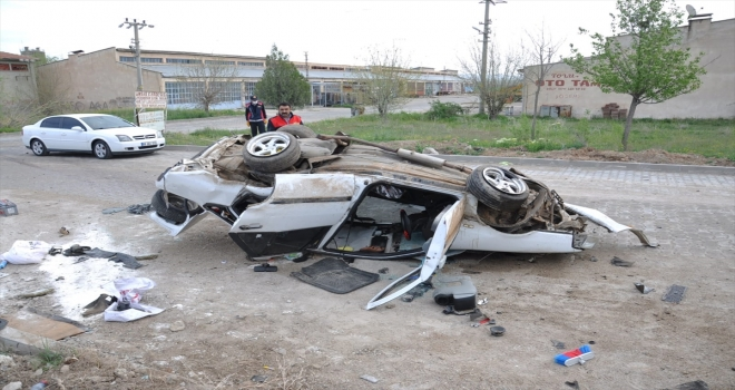Yozgat'ta otomobil devrildi: 2 yaralı