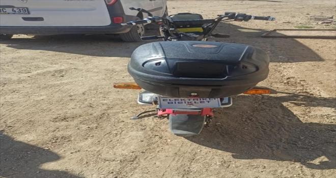 Aksaray'da otomobil ve motosiklet çaldıkları öne sürülen 5 zanlı tutuklandı