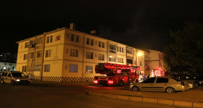 Kayseri'de apartmanda çıkan yangında 1 kişi dumandan etkilendi
