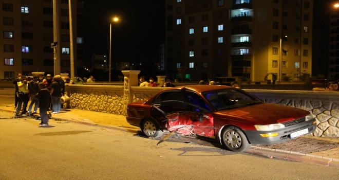 Kayseri'de bir sürücü 3 kilometre arayla iki araca çarptı: 2 yaralı
