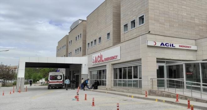 Kırşehir'de 7 kişi gıda zehirlenmesi şüphesiyle hastaneye başvurdu