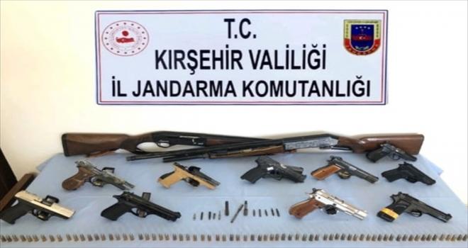 Kırşehir'de silah ve mühimmat kaçakçılığı operasyonu: 6 gözaltı
