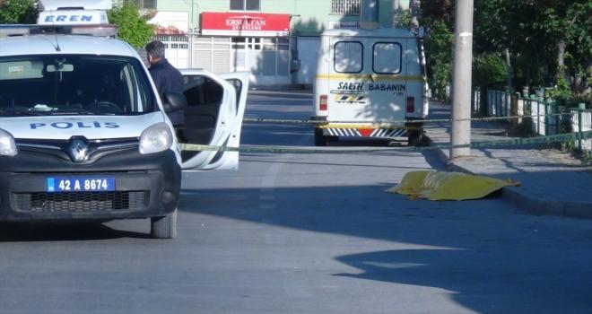 Konya'da yol kenarında bir erkek cesedi bulundu