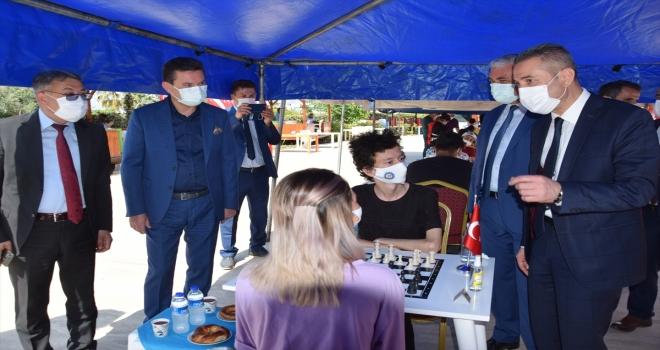 Kumluca'da düzenlenen satranç turnuvası başladı