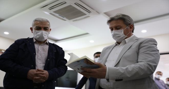 Melikgazi Belediyesinin kampanyaya bağışladığı 1000 kitap Cizre'ye yollandı