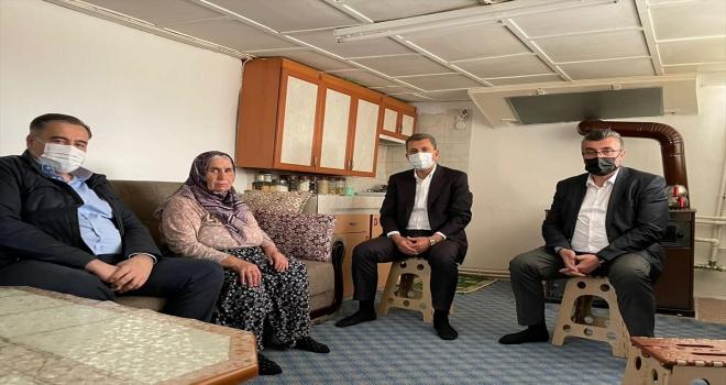Nallıhan'da Öntaş ve Güngör, şehit ailelerini  ziyaret etti
