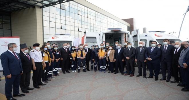 Sağlık Bakanlığınca Eskişehir'e gönderilen 9 ambulans törenle hizmete alındı