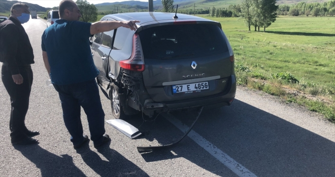 Sivas'ta zincirleme trafik kazasında 11 kişi yaralandı