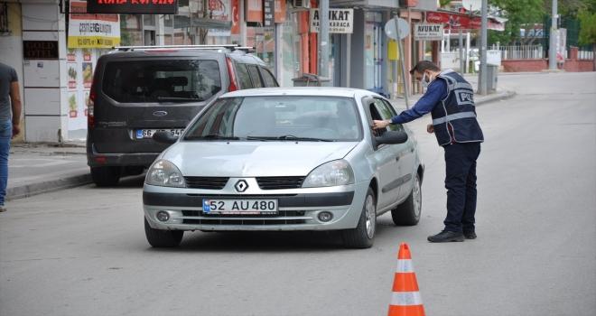 Yerköy'de emniyet ekipleri Kovid-19 denetimlerini artırdı