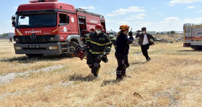 Aksaray'da gerçekleştirilen deprem tatbikatı gerçeğini aratmadı