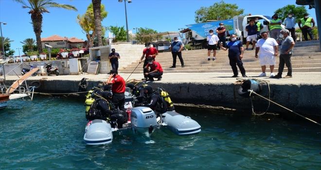 Antalya'da dalgıçlar deniz dibi temizliği yaptı