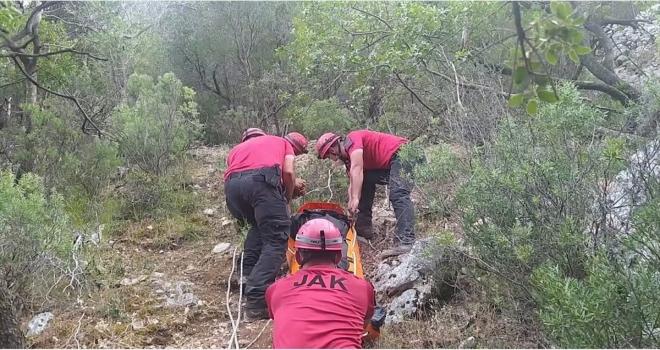 Antalya'da dere yatağında erkek cesedi bulundu