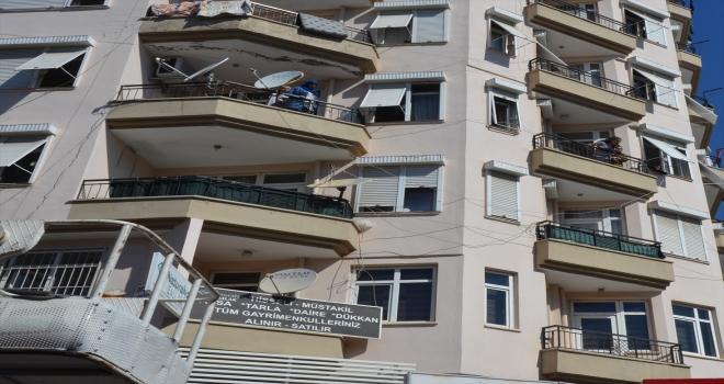 Antalya'da evde çıkan yangın hasara yol açtı