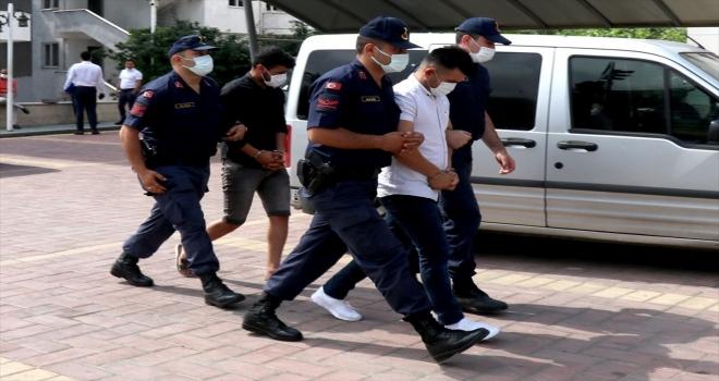 Antalya'da kadınları fuhşa zorladıkları iddia edilen 2 şüpheli tutuklandı