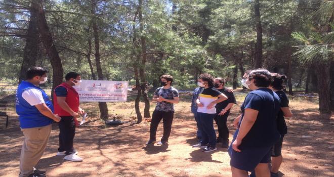 Antalya'da üniversite adayları YKS öncesi moral ve motivasyon kampında buluştu