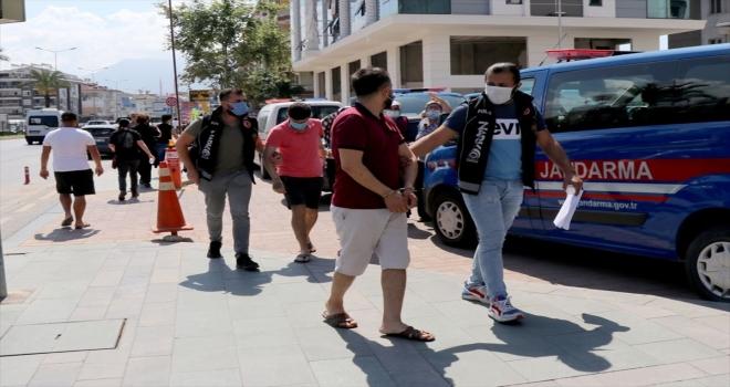 Antalya'da uyuşturucu operasyonunda 3 şüpheli yakalandı