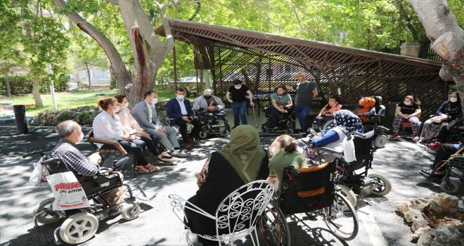 Belediye Başkanı Özdemir'den Türkiye Sakatlar Derneği Niğde Şubesi'ne ziyaret