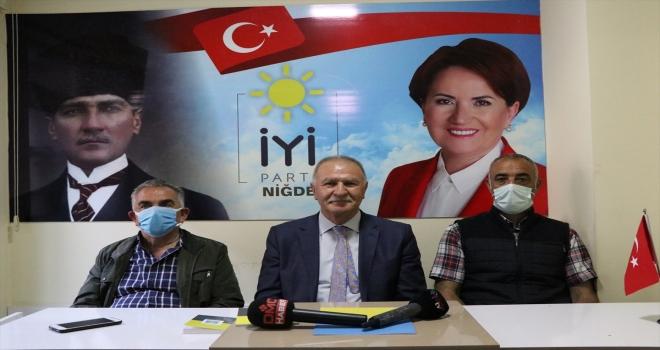 İYİ Parti GİK Üyesi Mümin İnan, Adana'da bir kişinin yumruklu saldırısına uğradığını iddia etti