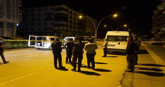 Kahramankazan'da polise bıçakla saldıran kişi silahla yaralanarak durduruldu