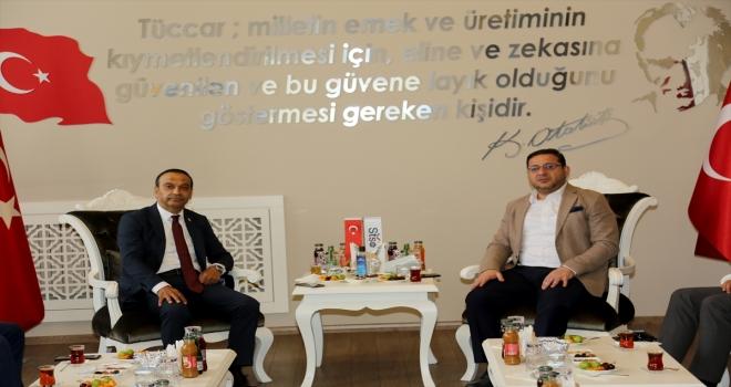 MHP Sivas Milletvekili Özyürek'ten STSO'ya ziyaret