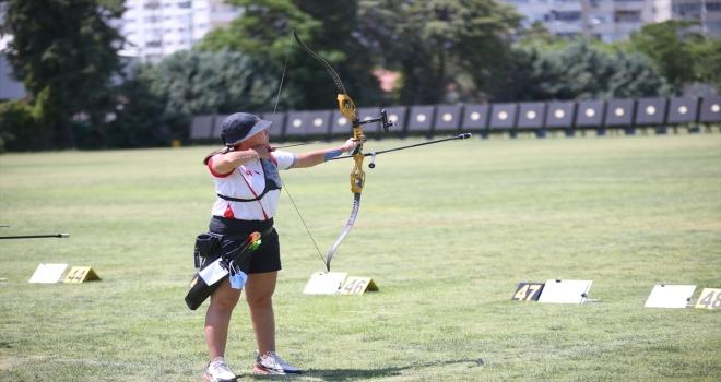 Milli okçu Yasemin Ecem Anagöz, altın madalya için olimpiyatlara gidecek: