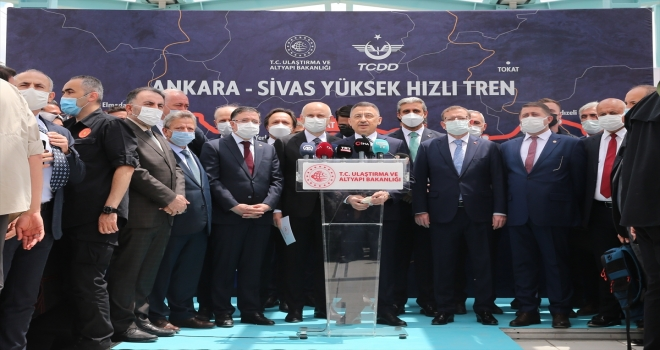 Ulaştırma ve Altyapı Bakanı Karaismailoğlu'ndan demiryolu ağında 2023 hedefi açıklaması: