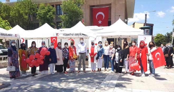 AK Parti Eskişehir Kadın Kolları Başkanlığı kan bağışı kampanyası düzenledi