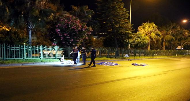 Antalya'da otomobilin çarptığı 2 Polonyalı turist hayatını kaybetti