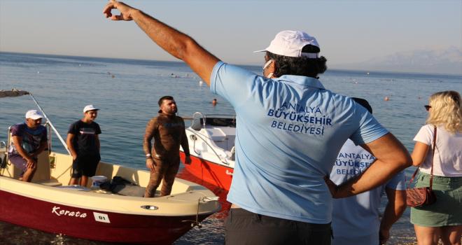 Antalya'da zıpkınla aslan balığı avlama yarışması düzenlendi