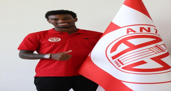 Antalyaspor, ABD'li futbolcu Haji Wright ile sözleşme imzaladı