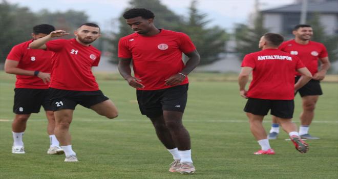 Antalyaspor, yeni sezon hazırlıklarını sürdürdü