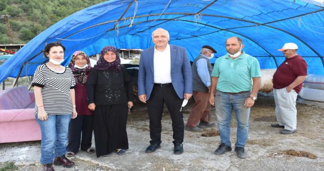 Belediye Başkanı Acar, kurban pazarını gezdi