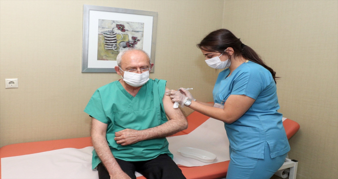 CHP Genel Başkanı Kılıçdaroğlu, 3'üncü doz Kovid-19 aşısını yaptırdığını duyurdu