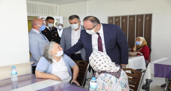 Çubuk'ta Kaymakam Keleş ve Belediye Başkanı Demirbaş'tan gaziler, şehit yakınları ve huzurevine ziyaret