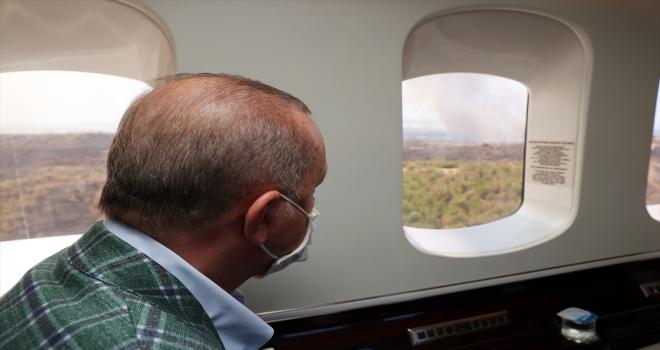 Cumhurbaşkanı Erdoğan, Antalya'da orman yangınlarının yaşandığı bölgeleri helikopterden inceledi