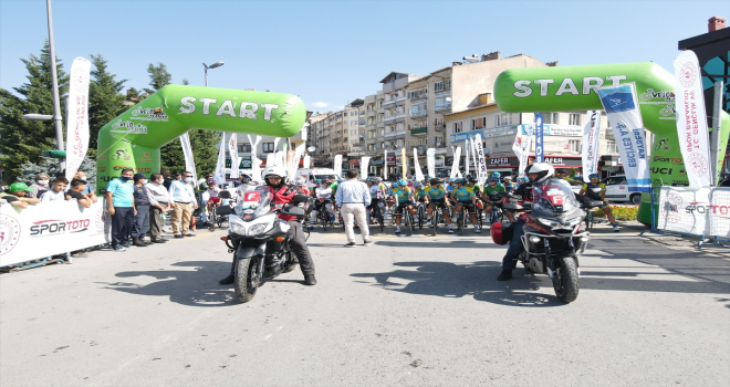 Erciyes 2021 Yol Bisikleti Yarışları sürüyor